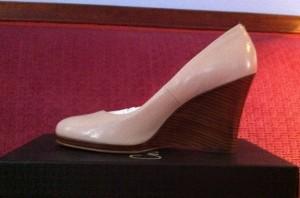 shoe pump wedge