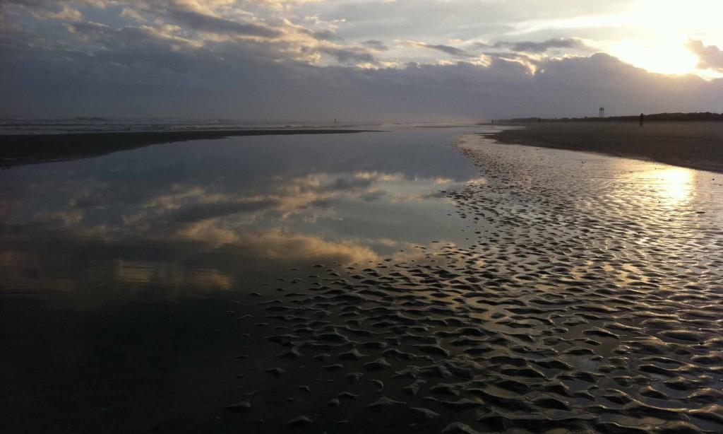 tidal pool sky above and below